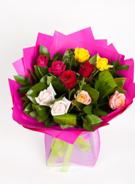 Vox of 10 Mixed coloured Roses