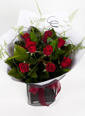 Vox of 10 Red Roses